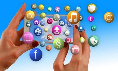 Quels sont les points clés pour définir une stratégie de communication digitale?